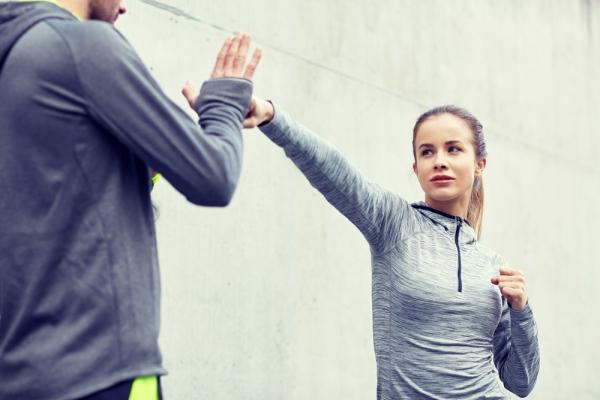Cours de cardio training et self defense.